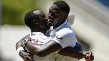 Roach, Seales guided WI to a thrilling one-wicket win over Pakistan